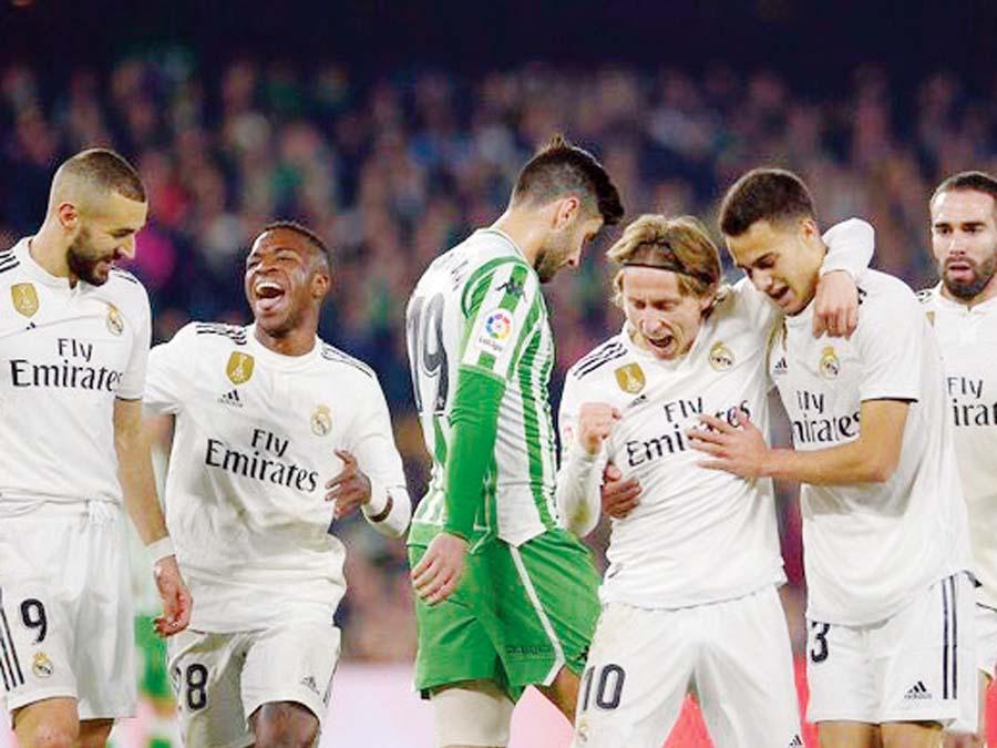 Real Madrid venció de visita 2-1 al Real Betis