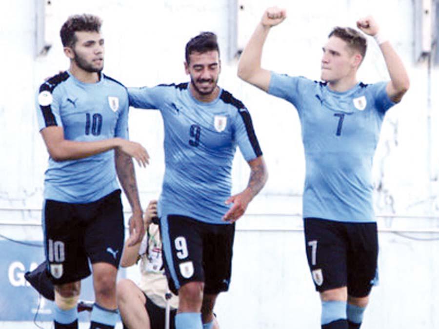 Brasil perdió por 3-2 ante Uruguay
