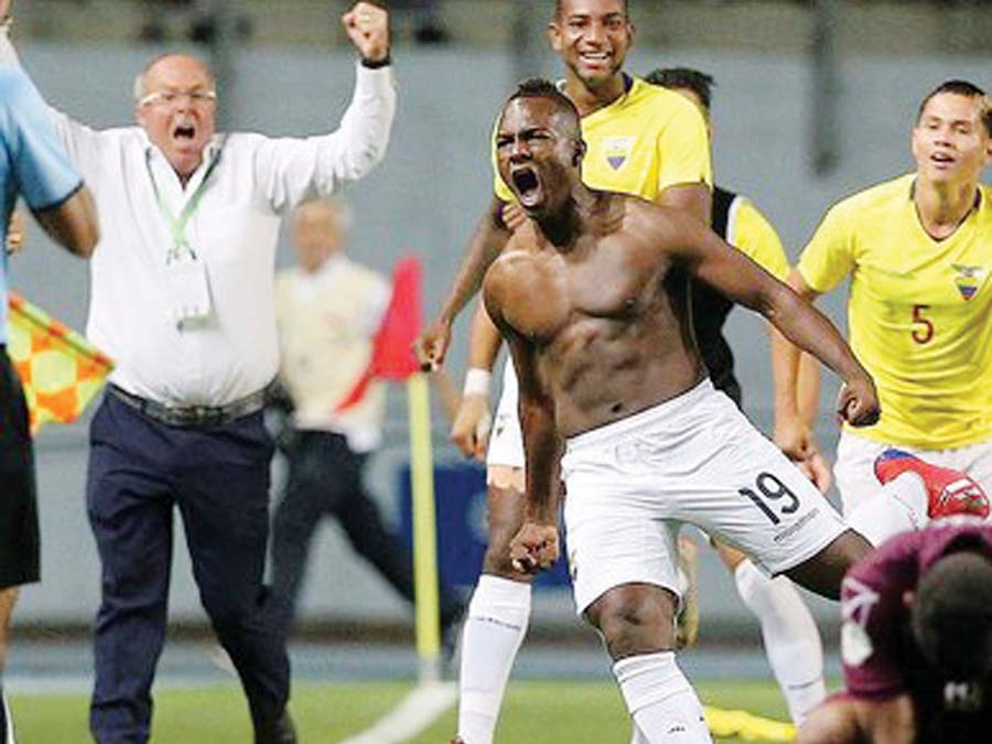 Ecuador goleó 3-0 aVenezuela