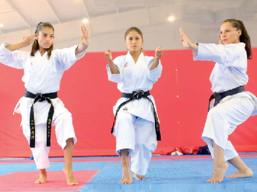 Karatecas Saida Salcedo, Andrea Almarza y Sol Romaní