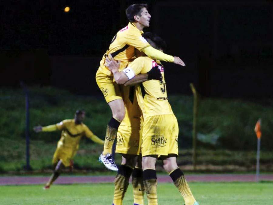 Cantolao venció a 3-0 al Sport Huancayo