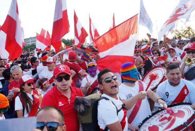 Alma, corazón y vida. En medio de cánticos, los hinchas peruanos llegaron al estadio Maracaná para ser testigos del partidazo de Perú frente a Bolivia. Fuimos locales otra vez