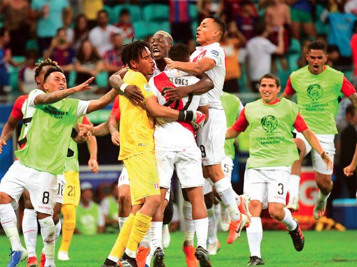 La alegría de los muchachos tras el triunfo por penales