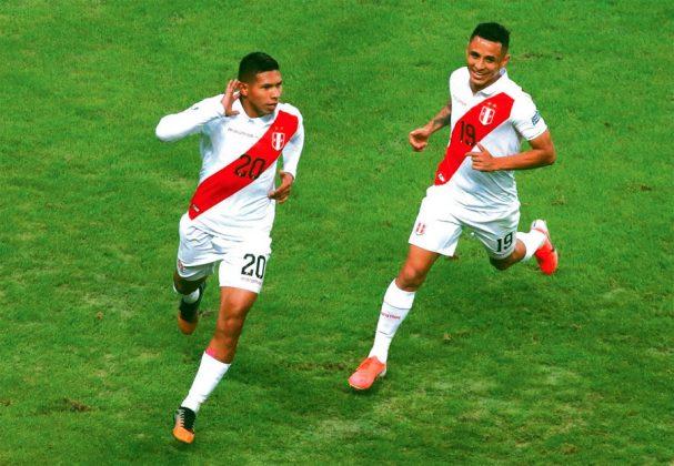 VOLVIÓ LA PREMONICIÓN Como ocurrió en el victoria ante Ecuador en Quito por las Eliminatorias Rusia 2018, con Edison Flores y Carrillo con sus números. Ahora, la imagen del 'Orejas' (20) y Yotún (19) en alusión la Copa América Brasil 2019, se ha vuelto viral en las redes sociales.
