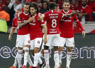 Internacional de Porto Alegre venció 2-0 al Nacional de Uruguay