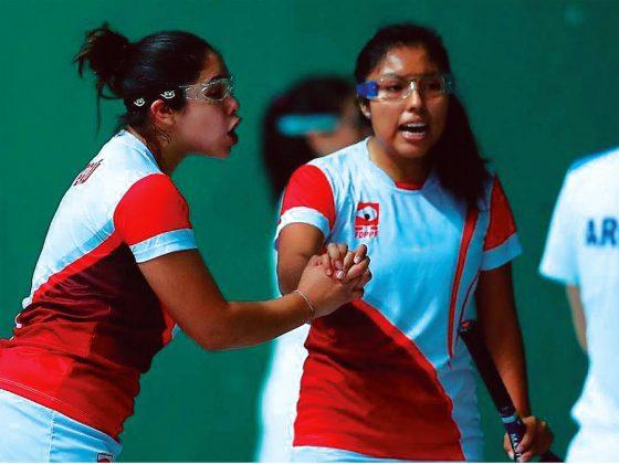 MÍA RODRÍGUEZ Y NATHALY PAREDES (Frontón Dobles Femenino) La dupla peruana derrotó por 2 – 0 a las argentinas Lucila Busson e Irina Podversich en la modalidad de frontenis femenino en pelota vasca en el Complejo Deportivo de Villa María de Triunfo, con marcadores parciales de 15-11 y 15-12.