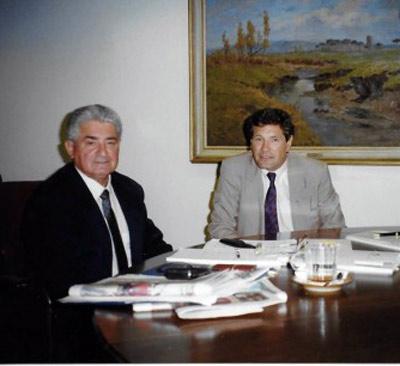 Azi Wolfenson con el señor Gagg en Suiza