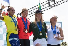 Sofía Mulanovich tras ganar el ISA Wordl Surfing Games de Japón