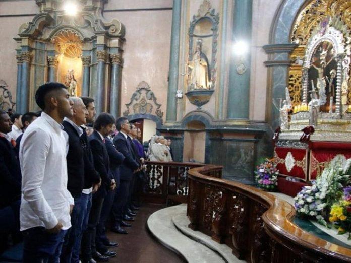 Alianza Lima asistió a la iglesia Las Nazarenas para encomendarse al Señor de los Milagros