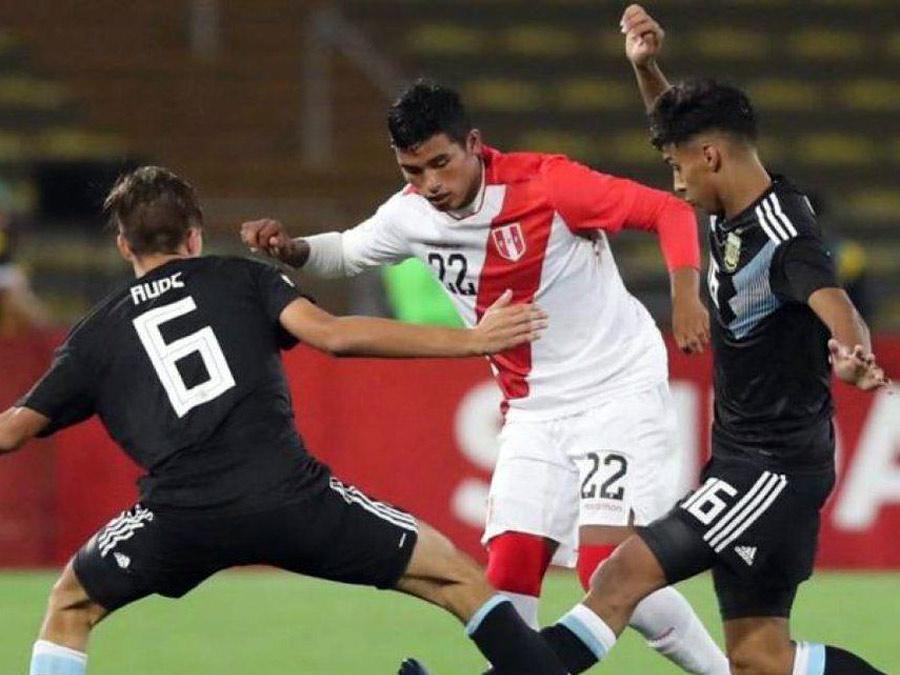 Kluiverth Aguilar estuvo en el Sudamericano Sub 17 de Lima, donde fue una de las figuras y Perú se quedó a puertas de clasificar al Mundial