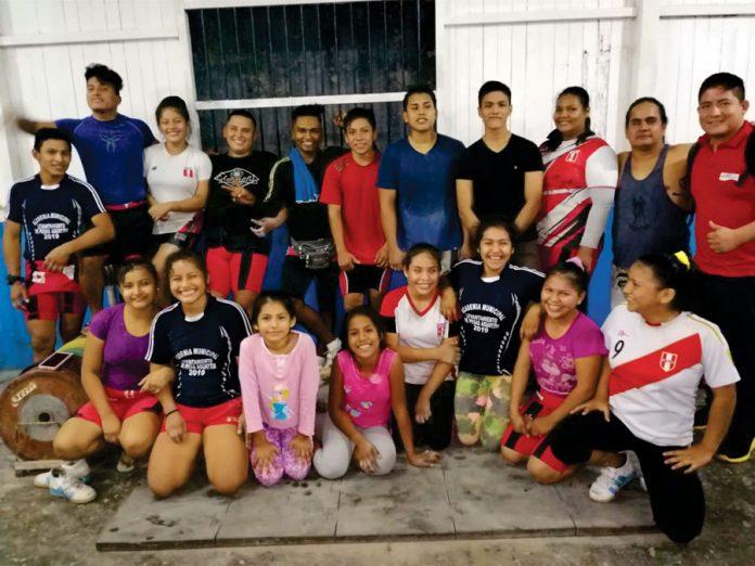 Representación de Aguaytía (Ucayali) que participan en el evento - Campeonato Levantamiento de pesas