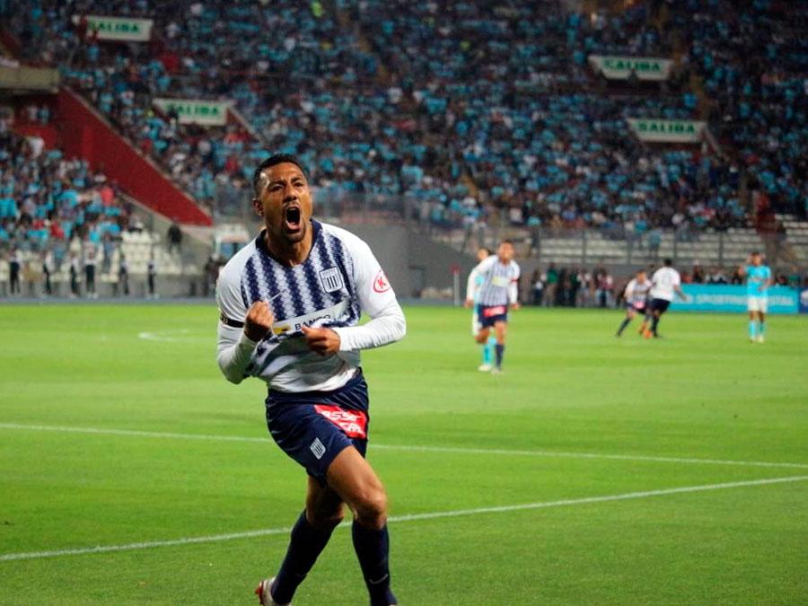 Celebracion de 'Cachito' Ramirez tras su gol  a Sporting Cristal