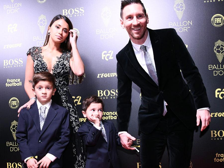 Messi fue acompañado por su esposa Antonella Roccuzzo y sus hijos Thiago y Mateo