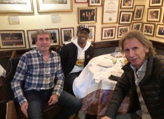 Luis Advíncula se reunió en España con el técnico de la selección peruana, Ricardo Gareca, y el preparador físico Néstor Bonillo