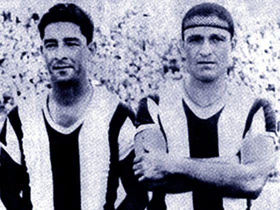 """Teodoro """"Lolo"""" Fernández, junto a otros cuatro futbolistas de Universitario, vistieron la blanquiazul en una gira por Chile."""
