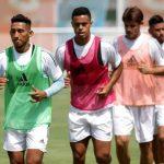 jugadores de Sporting Cristal realizan donación