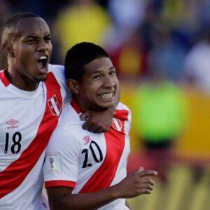 Señala a Edison Flores y a André Carrillo como sus favoritos de la selección peruana