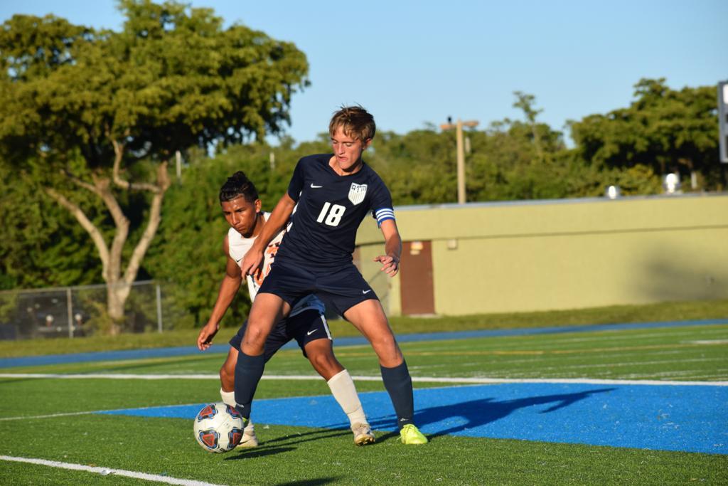 A sus 18 años ya tiene un palmarés importante en torneos de menores. Fue Campeón de la Copa del Estado de Florida 2017 y 2018.
