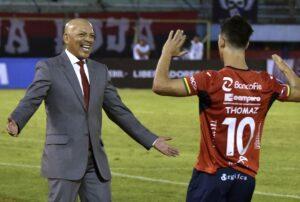 Señaló que Roberto Mosquera es un gran entrenador
